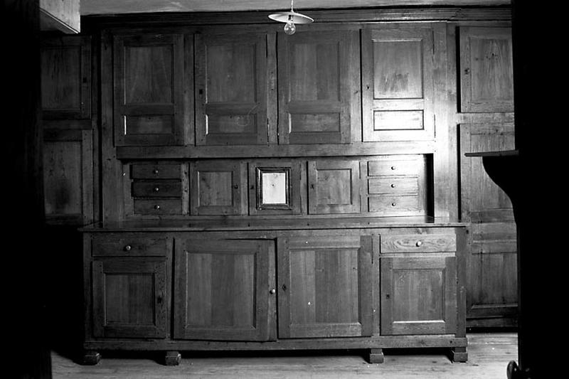meuble de sacristie, armoire de sacristie