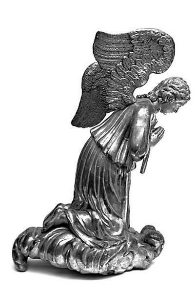 2 statues : anges en prière