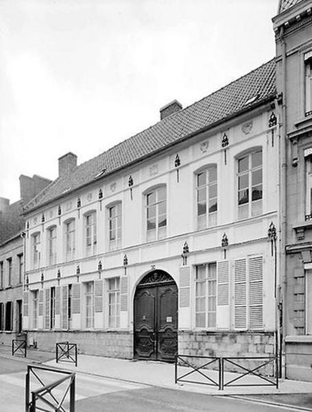 Hôtel, puis école Notre-Dame, actuellement école maternelle et primaire Jeanne-d'Arc