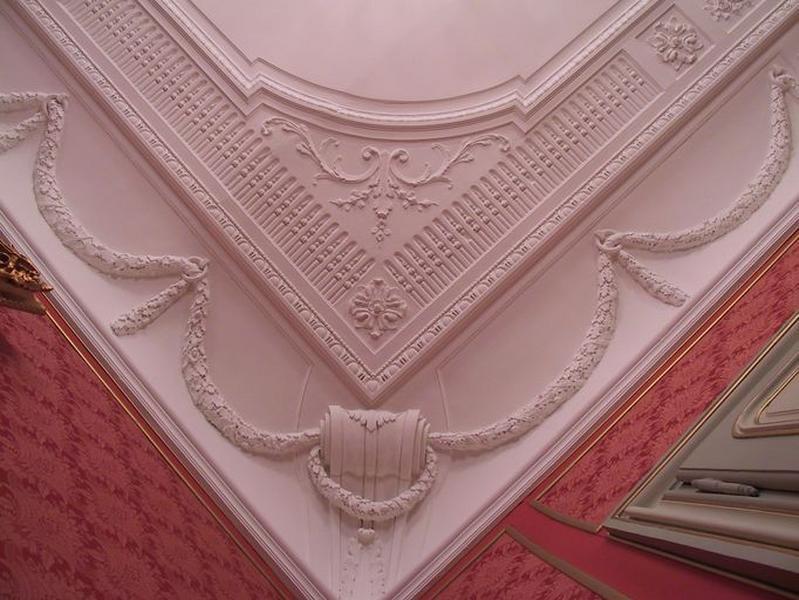 Ensemble du décor du plafond et de la corniche du grand salon