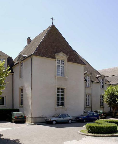 ancien hôpital, actuellement maison de retraite
