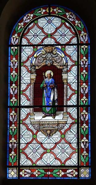 vitrail droit du choeur : Saint Louis portant la couronne d'épines sur un coussin