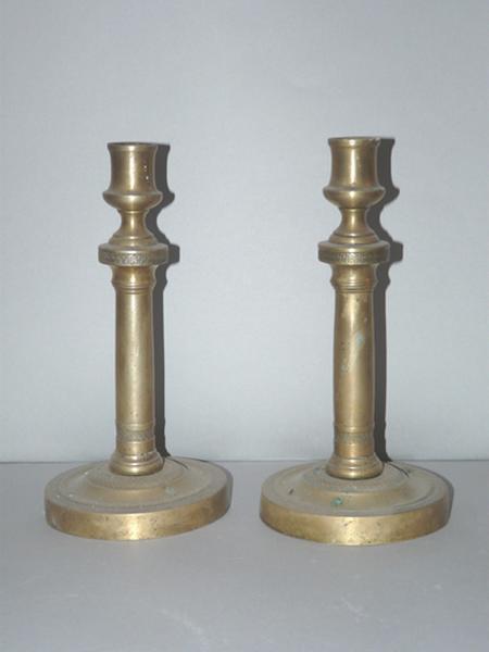 ensemble de deux chandeliers (flambeaux) No 1