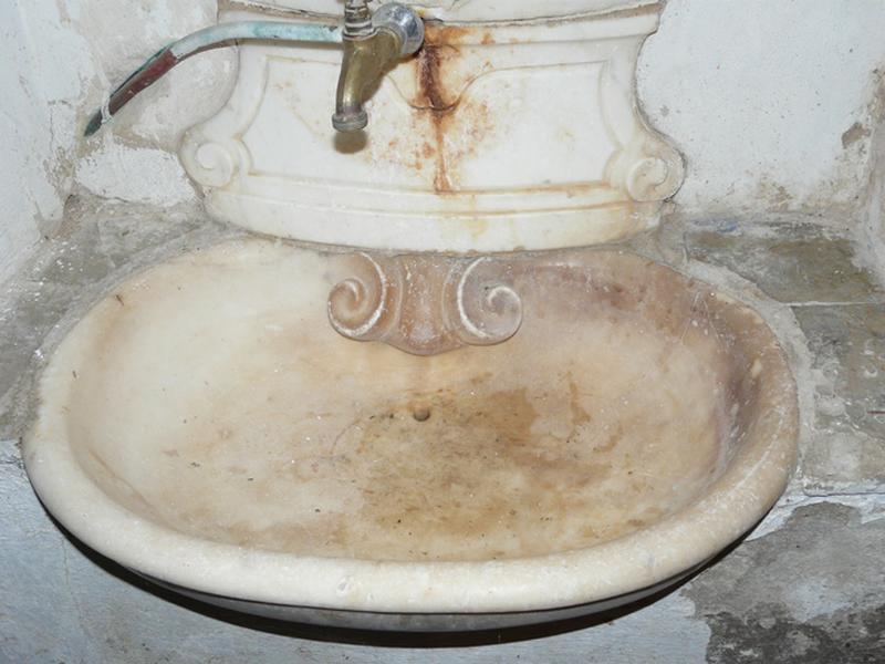 fontaine de sacristie