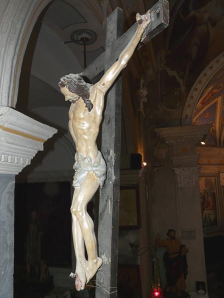 statue (statuette) : Christ en croix (No 1)