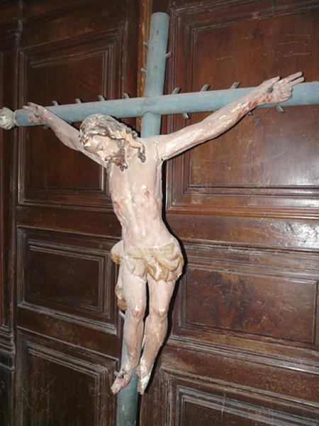 statue (demi-nature) : Christ en croix (No 3)