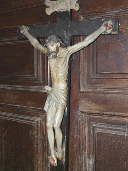 statue (statuette) : Christ en croix (No 4)