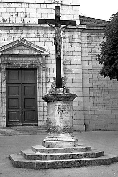 croix monumentale (croix de jubilé)