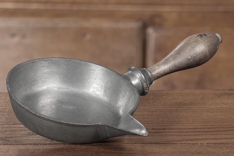 casserole dite couloir à sirop (n° d'inventaire 476)