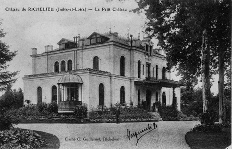 château;Maison dite Pavillon du Plessis ou Petit Château