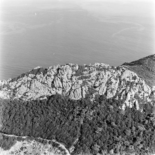 habitat : habitat fortifié
