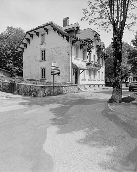 immeuble dit résidence Louis Grenier