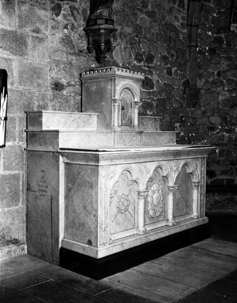 ensemble du maître-autel et des autels secondaires