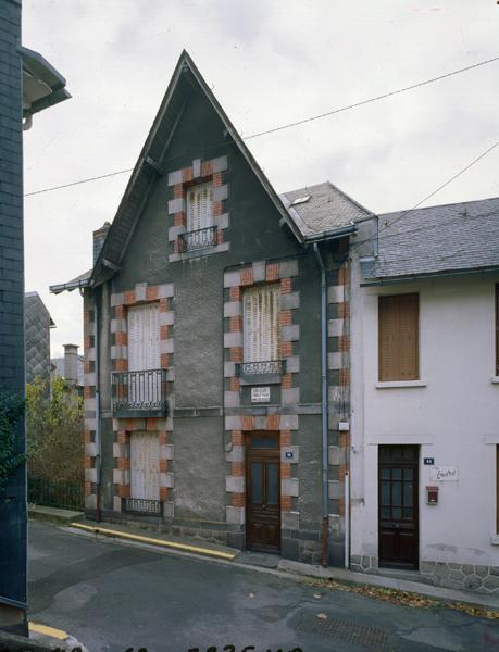 immeuble dit Chalet Le Gui