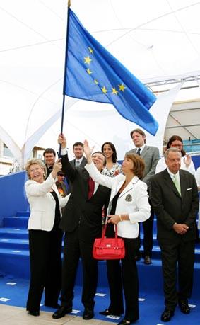 José Manuel Barroso, président de la Commission européenne et Viviane Reding, commissaire européenne chargée de la société de l'information et des médias