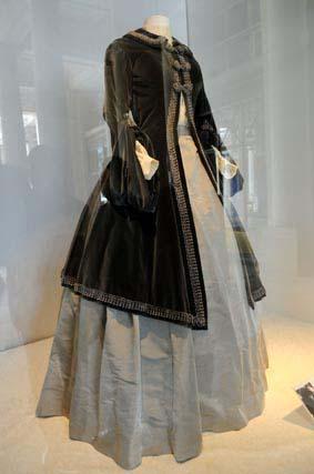 Le costume de la Traviata incarnée par Maria Callas dirigée par Carlo Maria Giulini (1955)