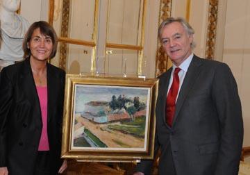 Légende : Christine Albanel et M. Stuart Glym, Président de Magen David Adom Grande-Bretagne.