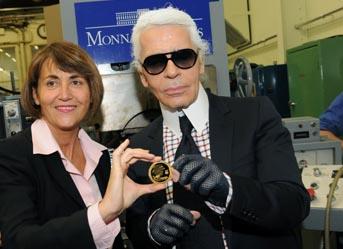 Christine Albanel et Karl Lagerfeld frappent ensemble à la Monnaie de Paris