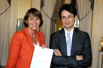 Remise du rapport Patino sur le livre numérique, à l'issue du premier Conseil du livre
