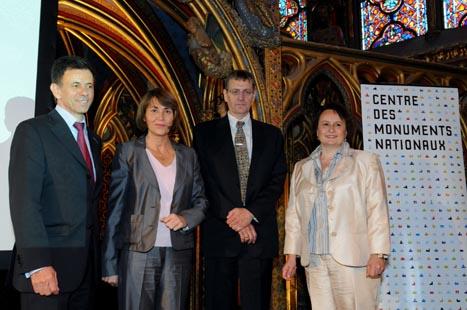 Convention pour la restauration des vitraux de la Sainte-Chapelle