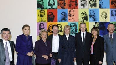 Légende : Thomas Grenon, Farah Diba, Bernadette Chirac, Alain Cueff, Bernard Arnault et son épouse, Christine Albanel, Jean-Ludovic Silicani